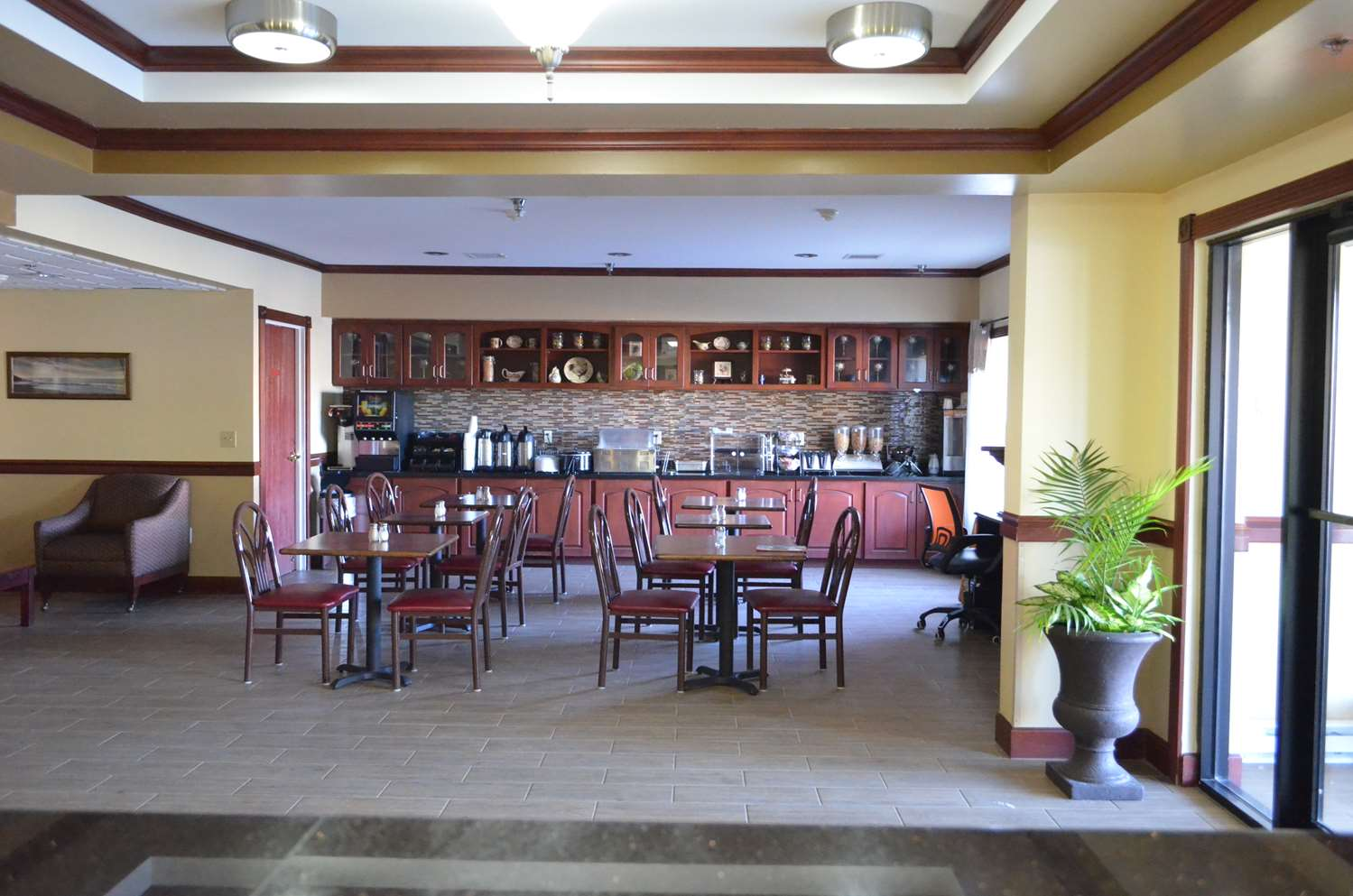 Restaurant - Best Western Inn & Suites Airport Indianapolis