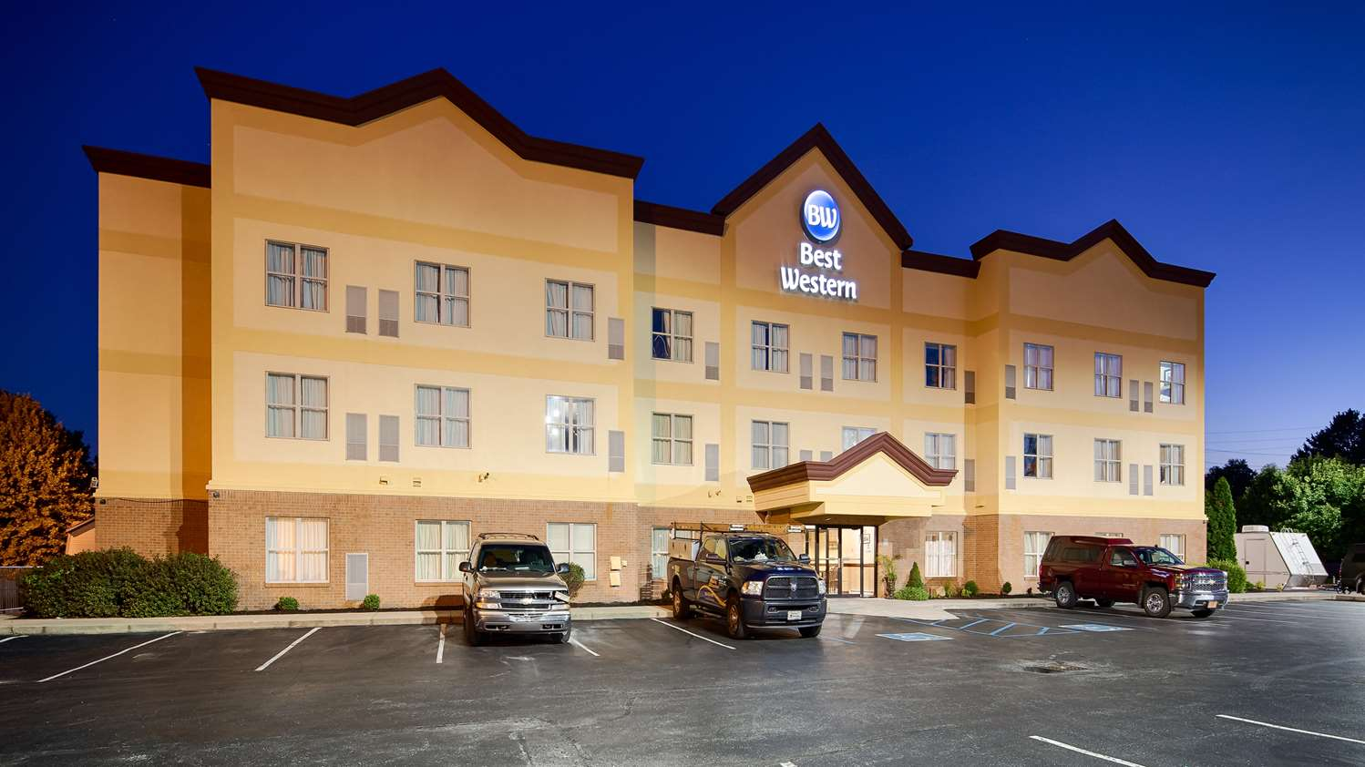 Exterior view - Best Western Inn & Suites Airport Indianapolis