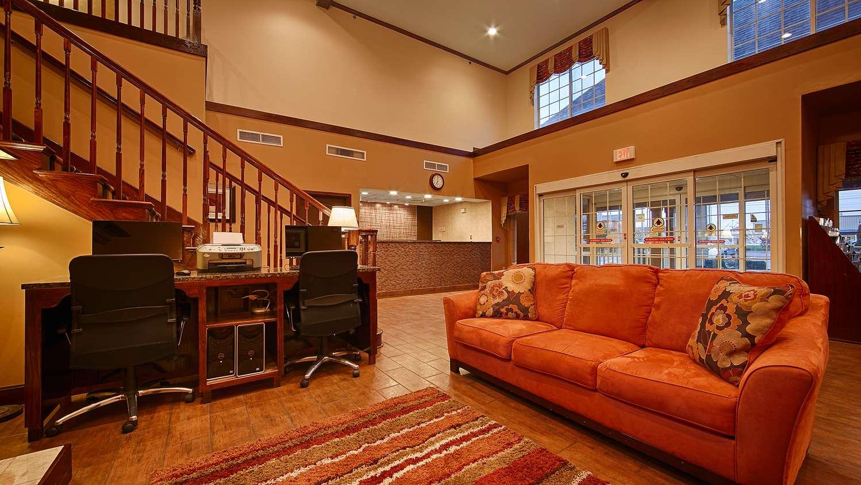 Lobby - Best Western Plus Fort Wayne Inn
