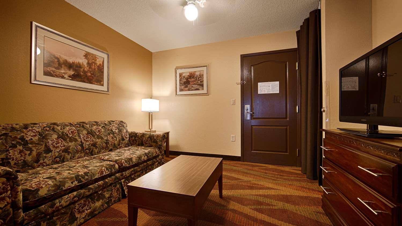 Room - Best Western Plus Fort Wayne Inn