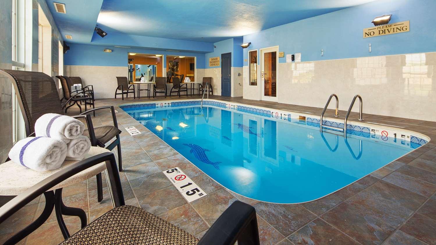 Pool - Best Western Plus Fort Wayne Inn