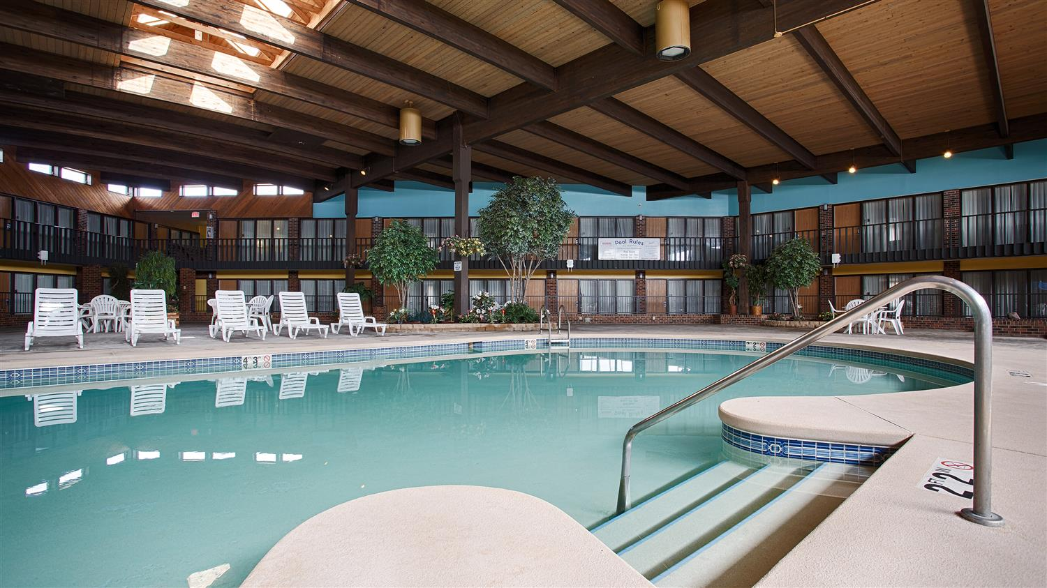 Pool - Best Western Starlite Village Hotel Fort Dodge
