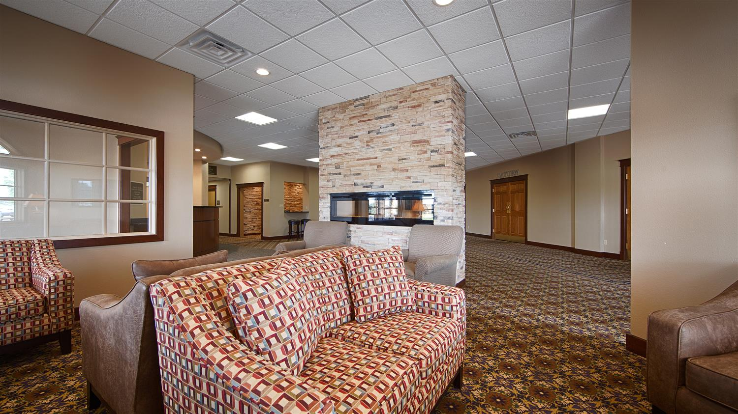 Lobby - Best Western Starlite Village Hotel Fort Dodge