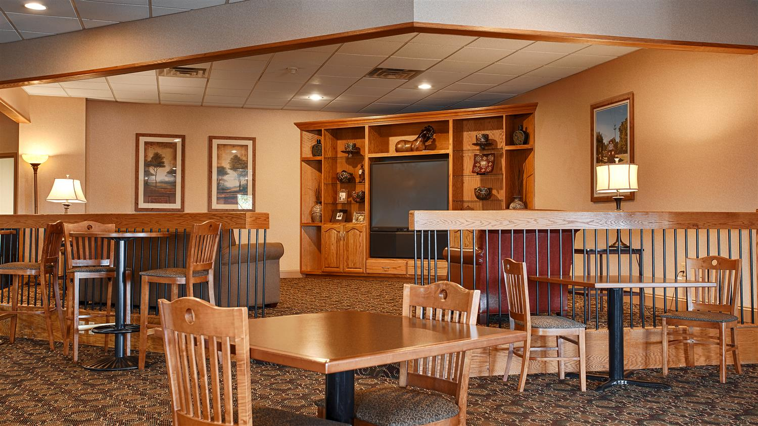 Restaurant - Best Western Crossroads Inn Council Bluffs