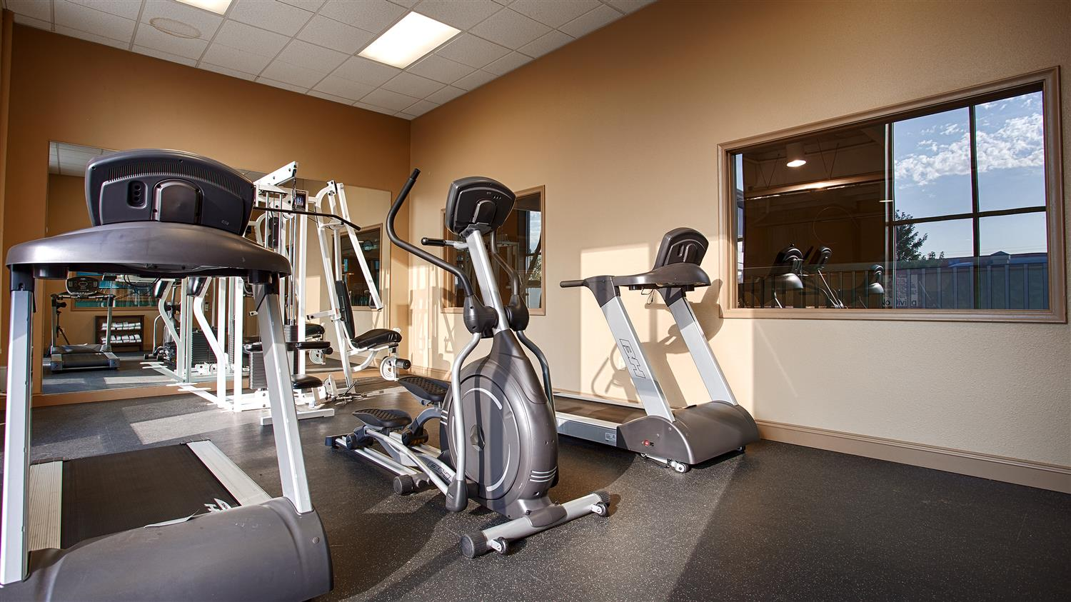 Fitness/ Exercise Room - Best Western Crossroads Inn Council Bluffs