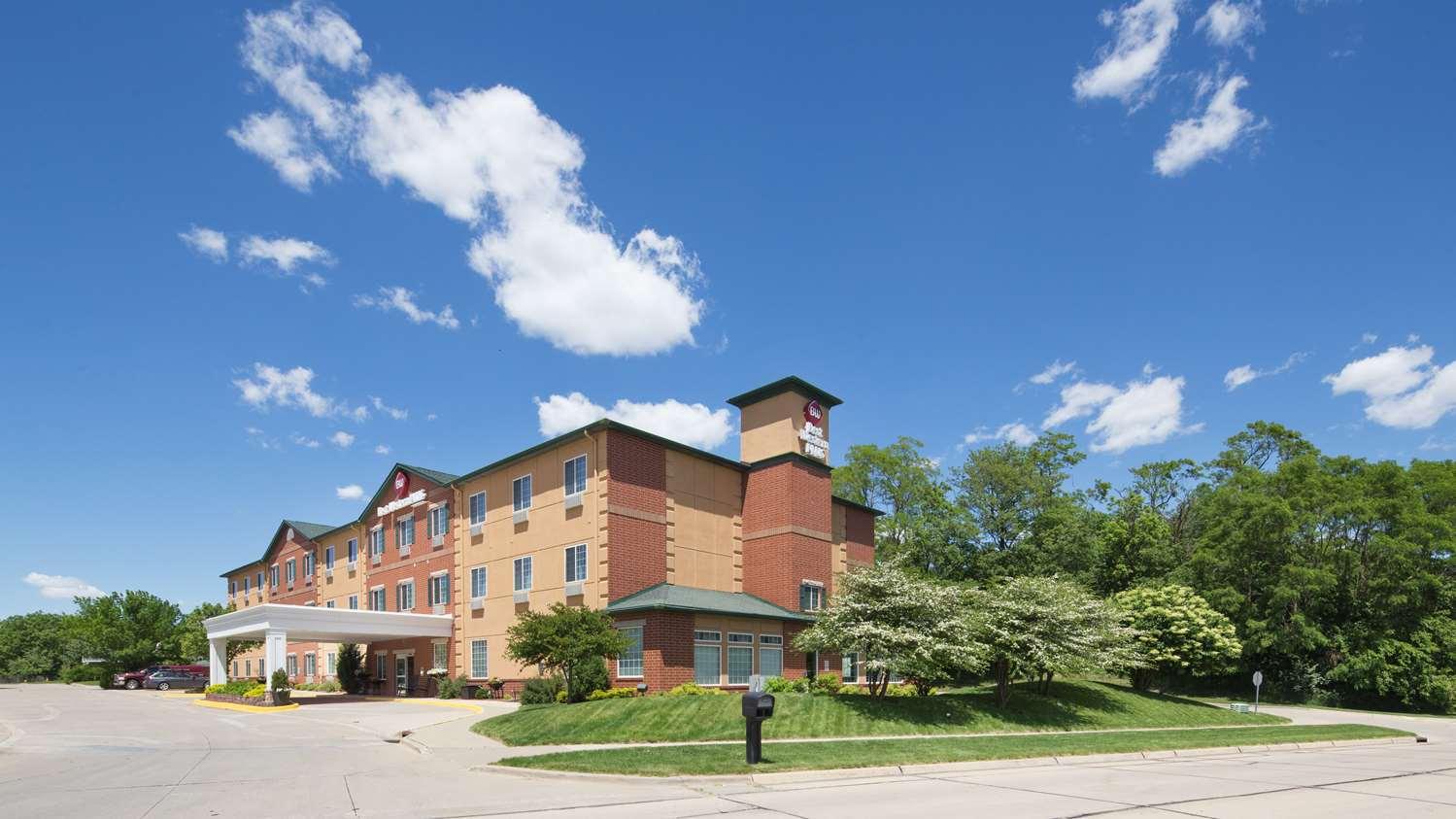 Exterior view - Best Western Plus Inn & Suites Clive