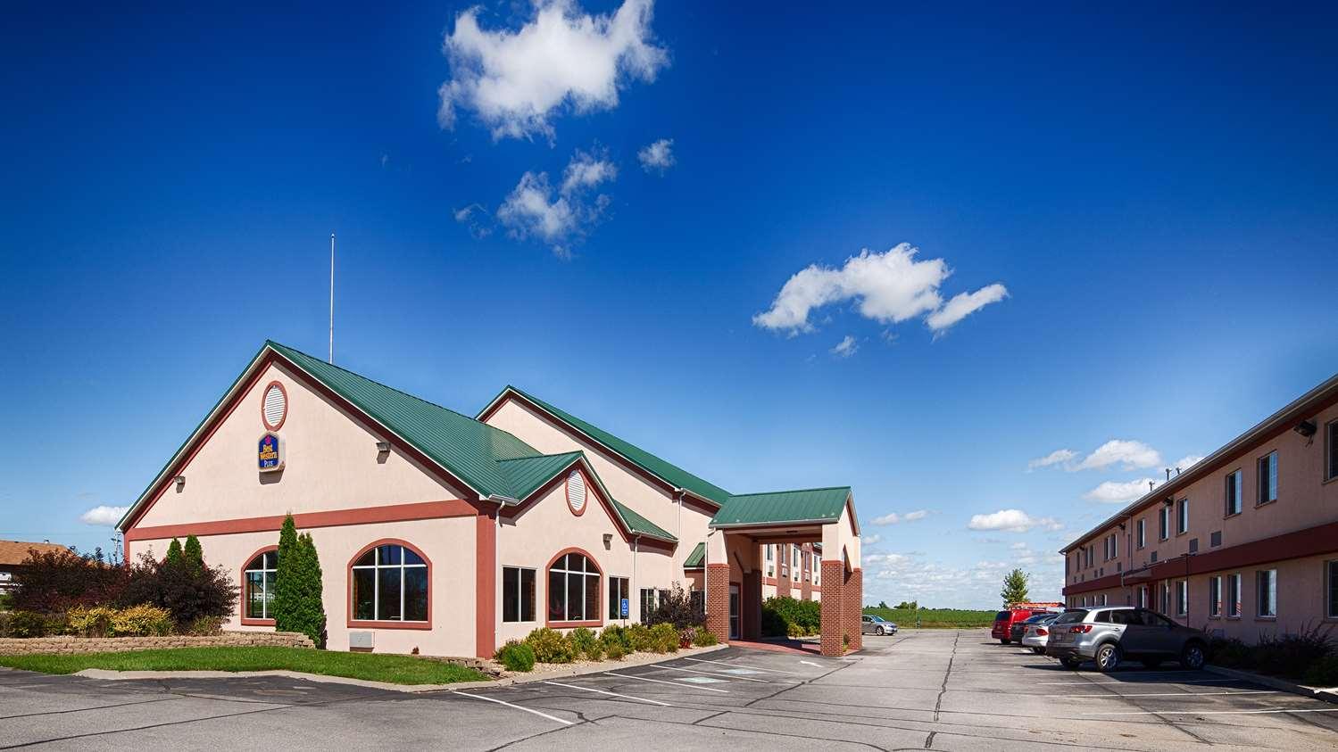 Exterior view - Best Western Pioneer Inn & Suites Grinnell
