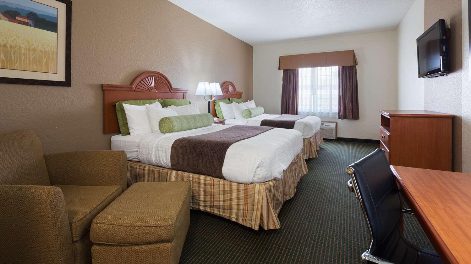 Room - Best Western Pioneer Inn & Suites Grinnell