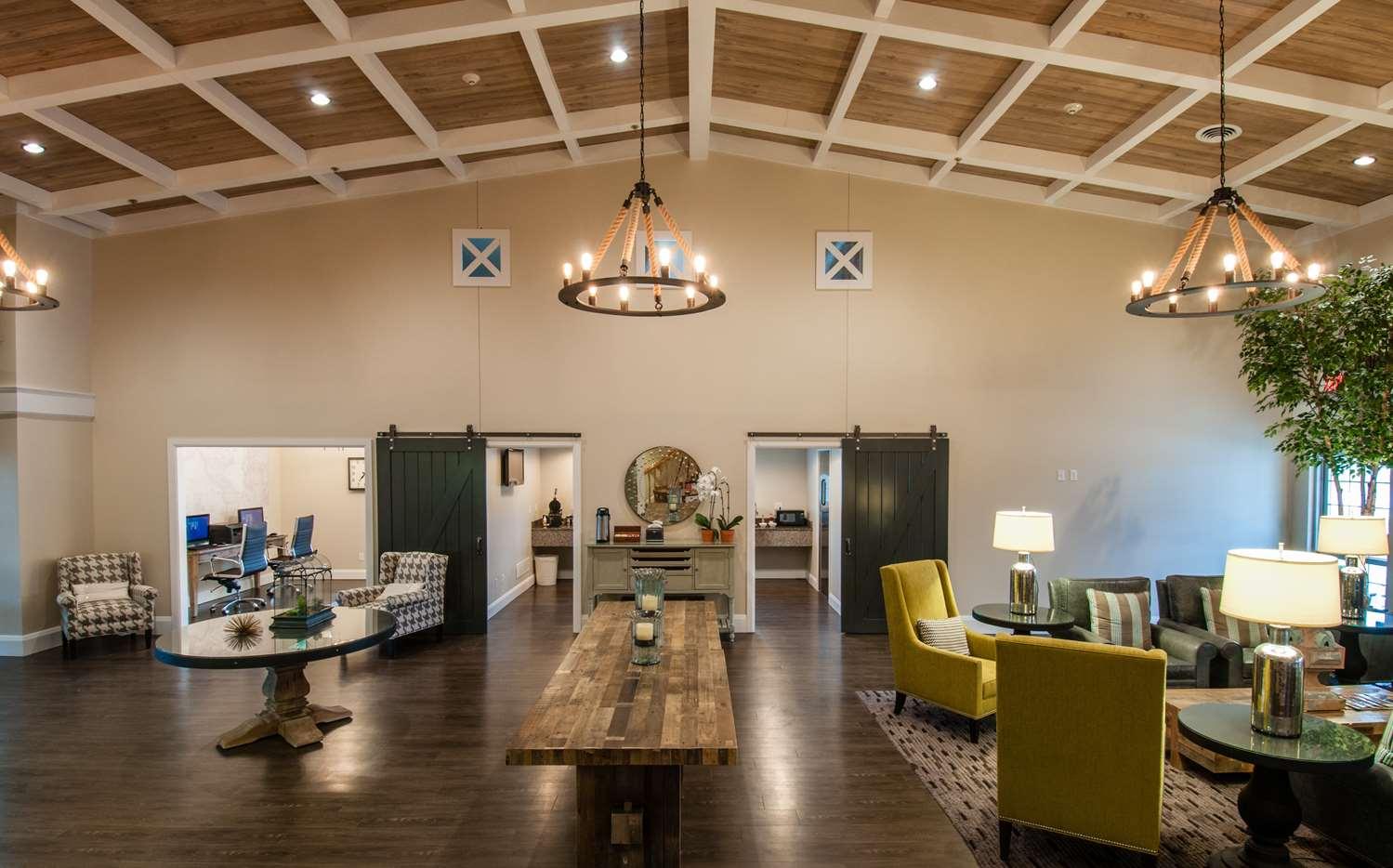 Lobby - Best Western Plus University Park Inn & Suites Ames