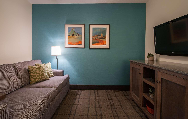 Suite - Best Western Plus University Park Inn & Suites Ames