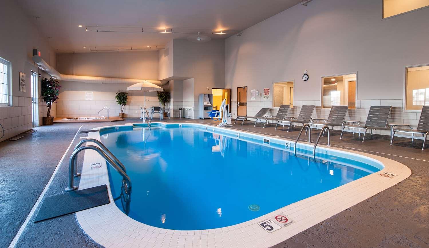 Pool - Best Western Plus University Park Inn & Suites Ames