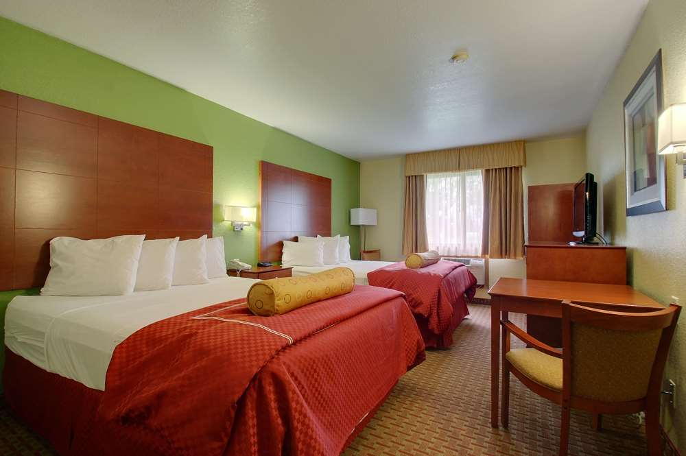 Room - Best Western Plus Altoona Inn