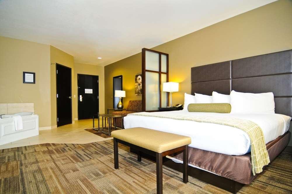 Suite - Best Western Plus Night Watchman Inn & Suites Greensburg