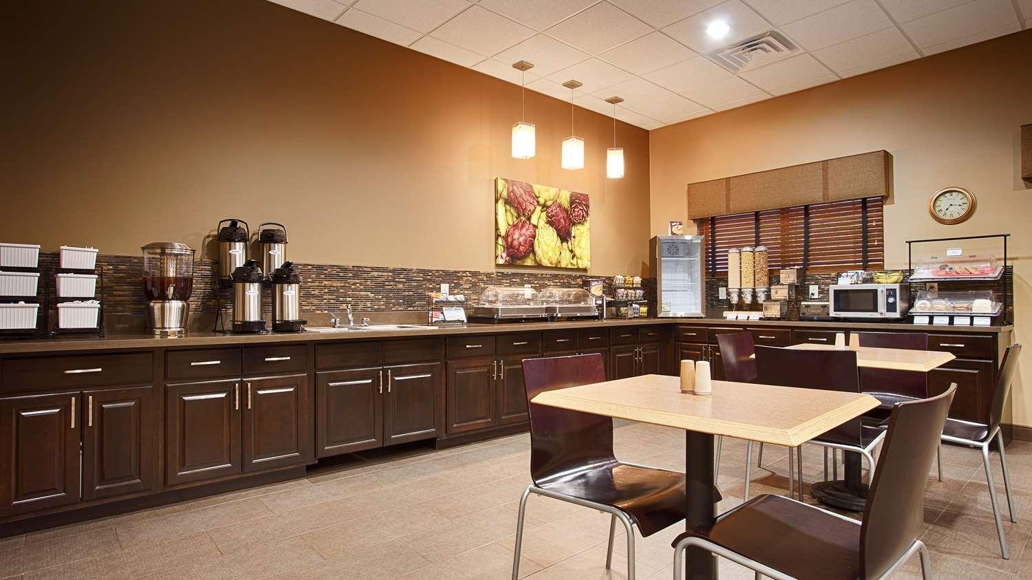 Restaurant - Best Western Plus Night Watchman Inn & Suites Greensburg