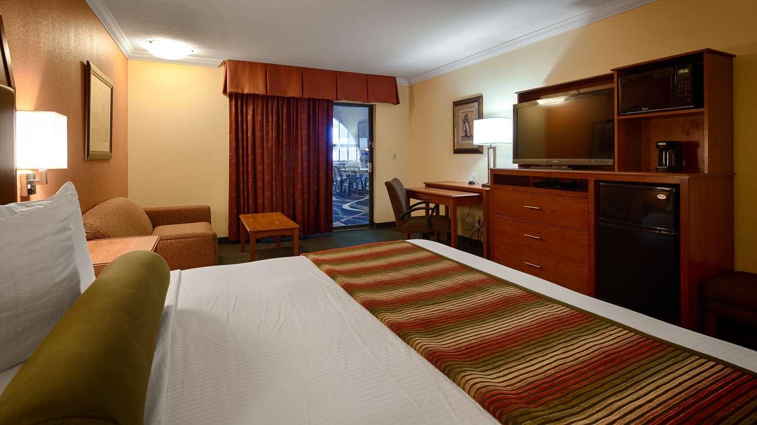 Room - Best Western Angus Inn Great Bend