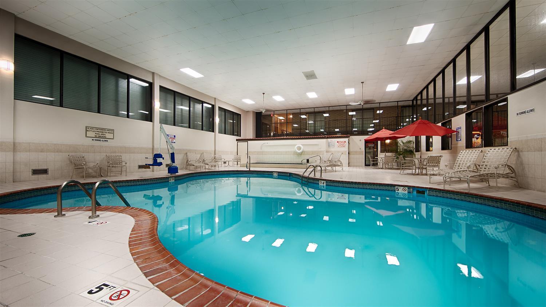 Pool - Best Western Wichita North Hotel