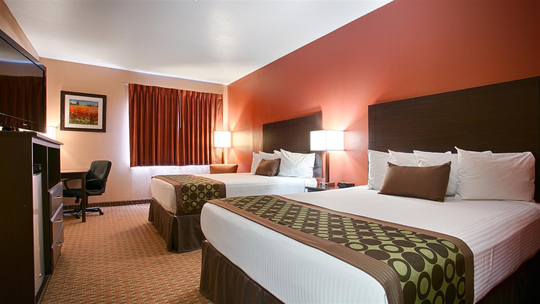 Room - Best Western Inn & Suites Topeka