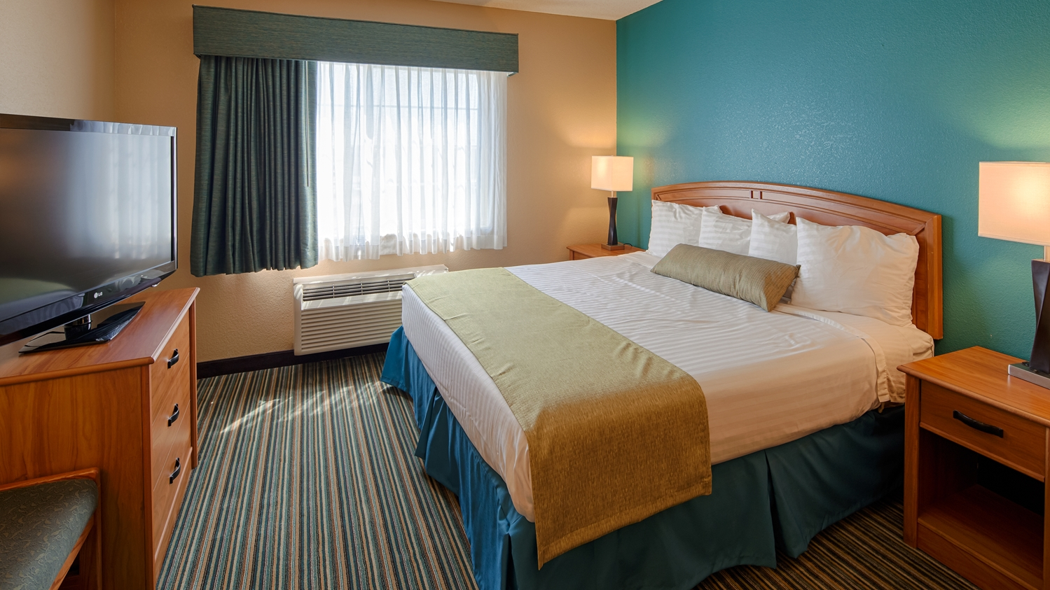 Room - Best Western Governors Inn & Suites Wichita