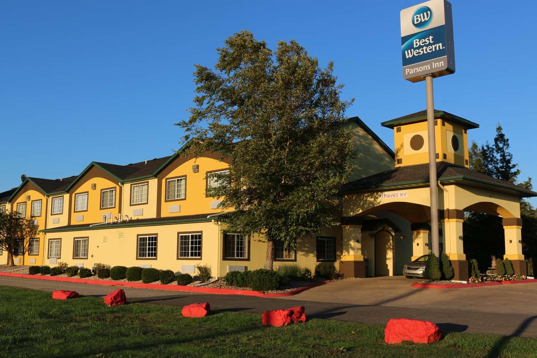 Exterior view - Best Western Inn Parsons