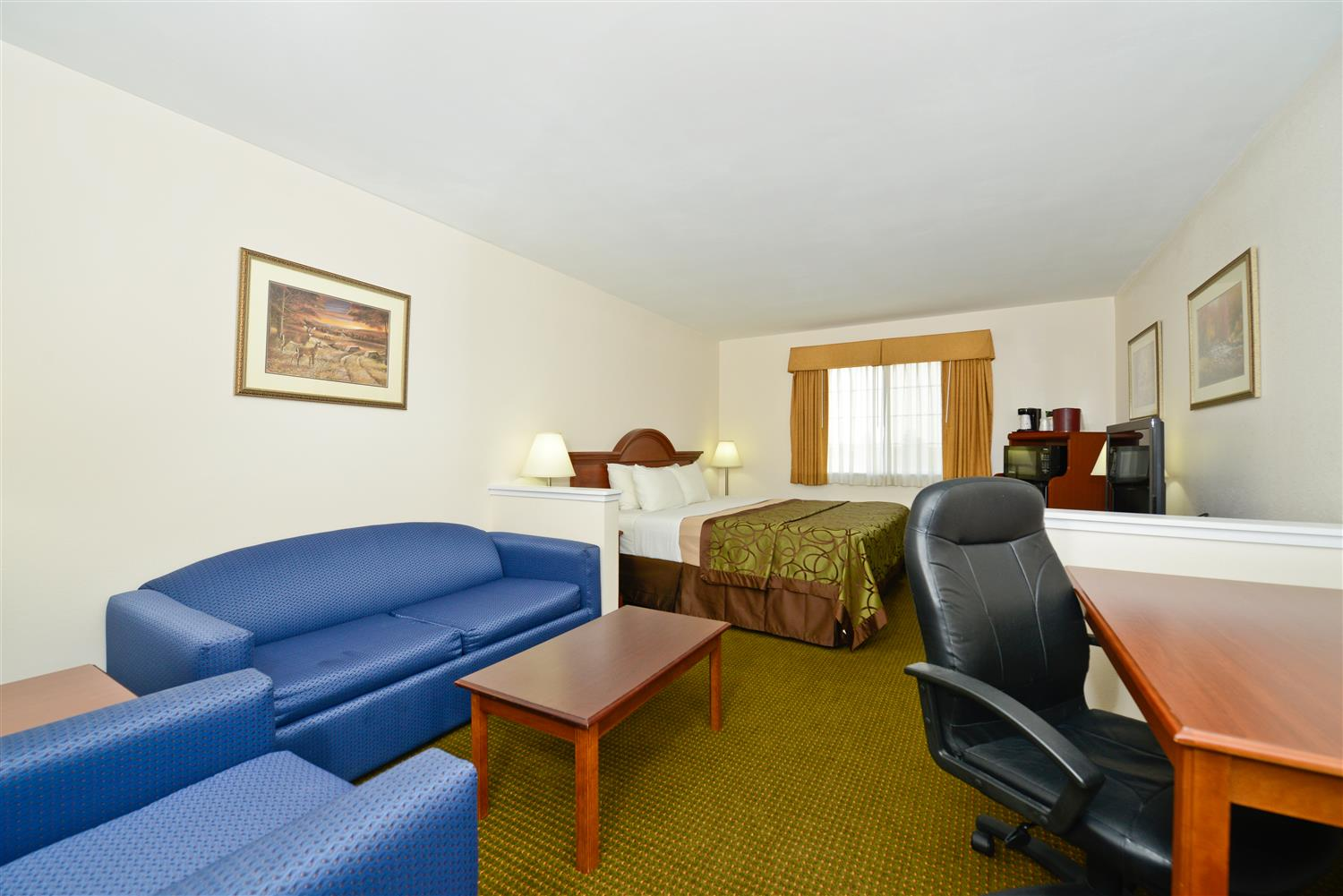 Room - Best Western Plus WaKeeney Inn & Suites