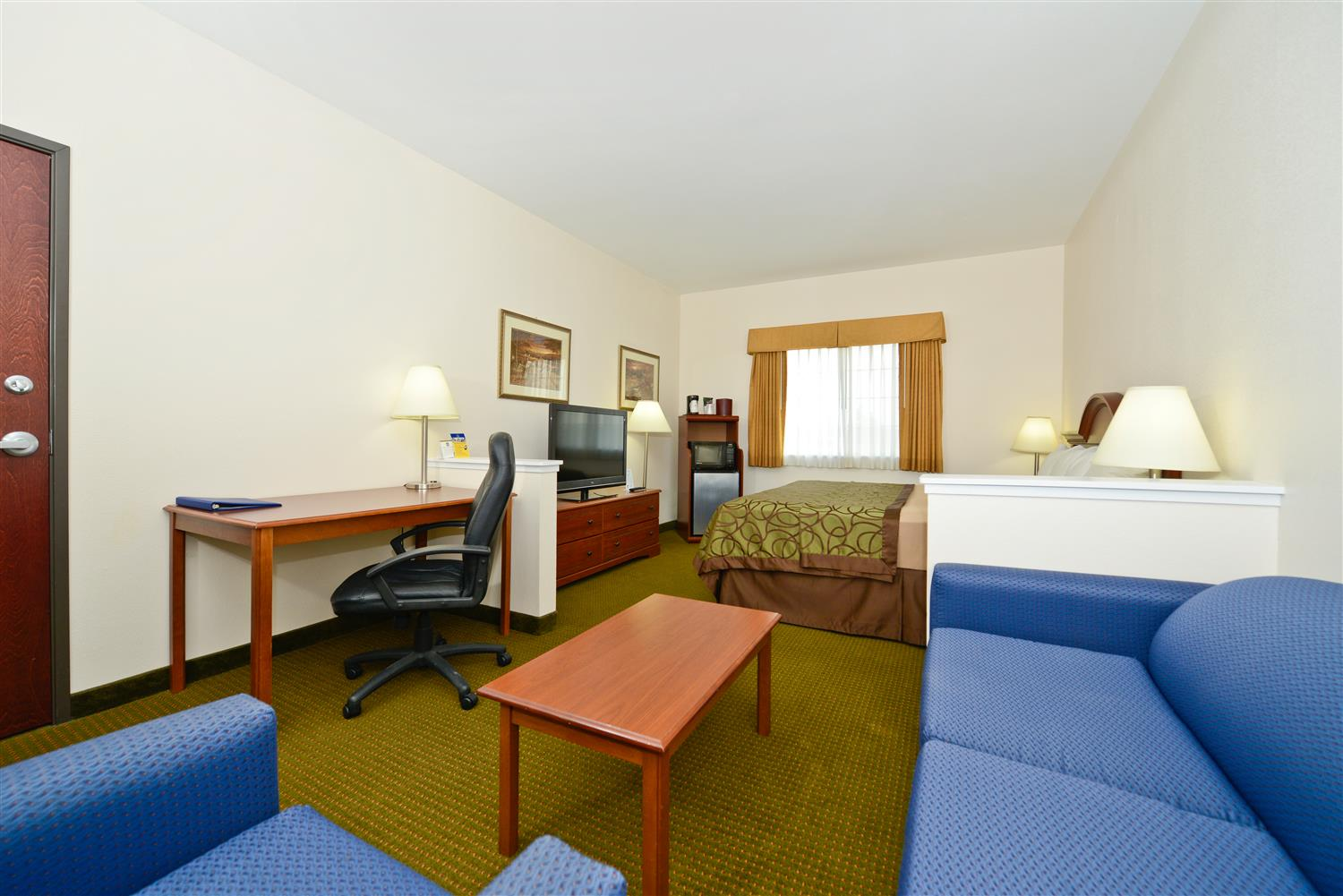 Suite - Best Western Plus WaKeeney Inn & Suites