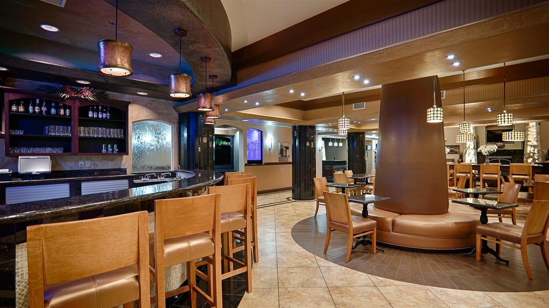 Bar - Best Western Premier KC Speedway Inn & Suites