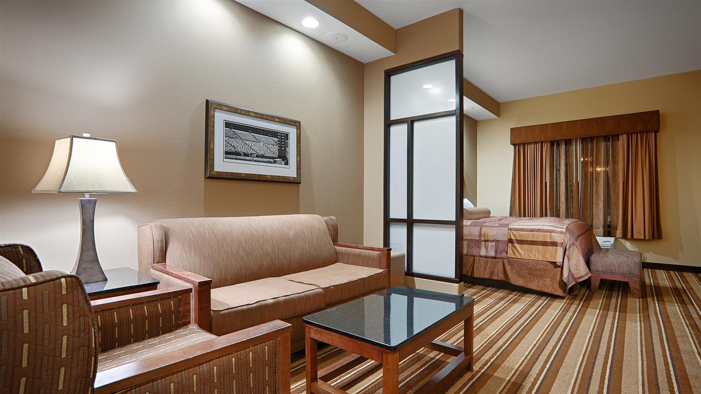 Suite - Best Western Premier KC Speedway Inn & Suites