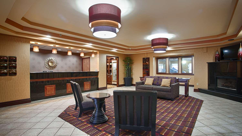 Lobby - Best Western Plus Midwest Inn & Suites Salina
