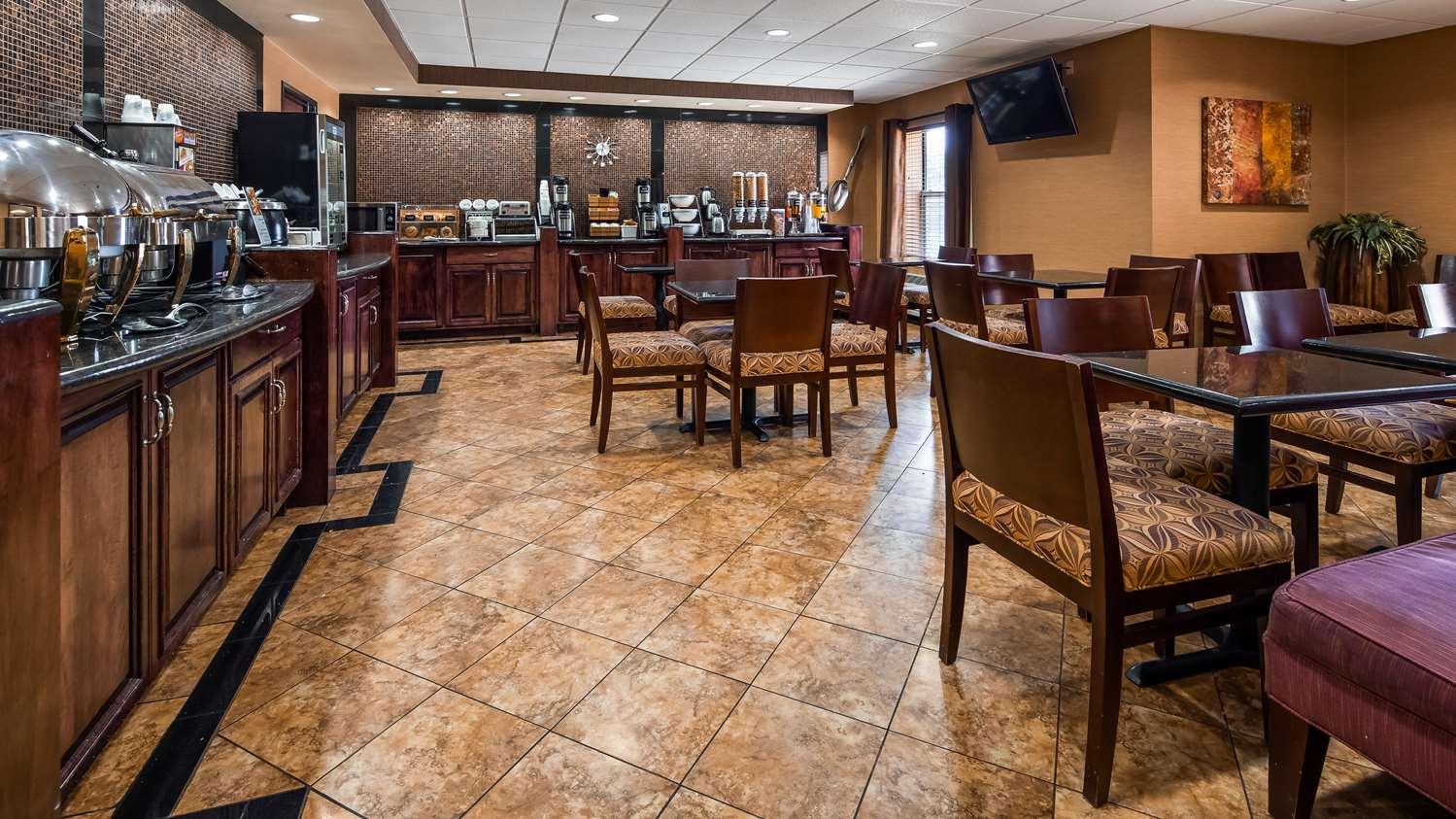Restaurant - Best Western Plus Midwest Inn & Suites Salina