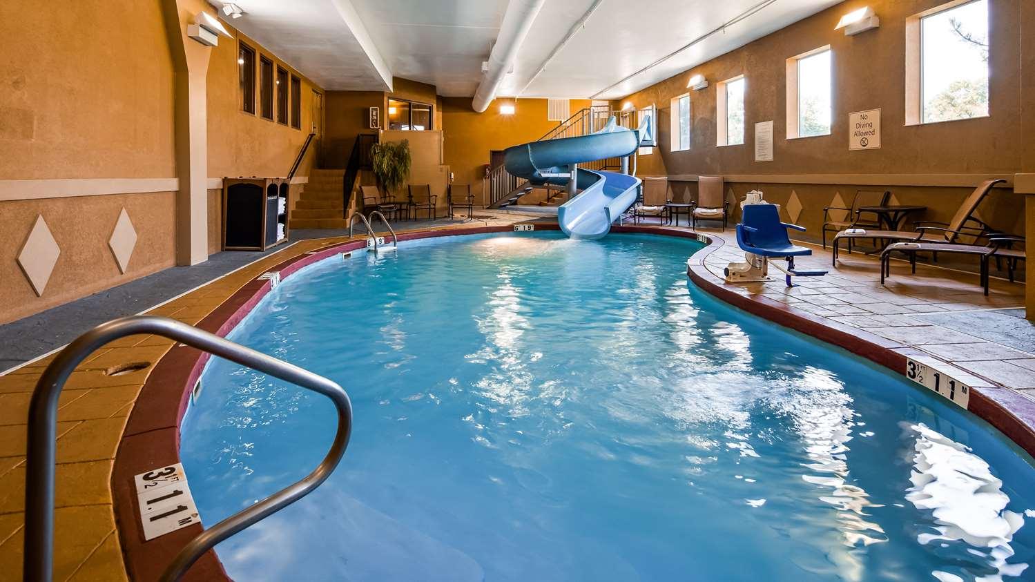 Pool - Best Western Plus Midwest Inn & Suites Salina