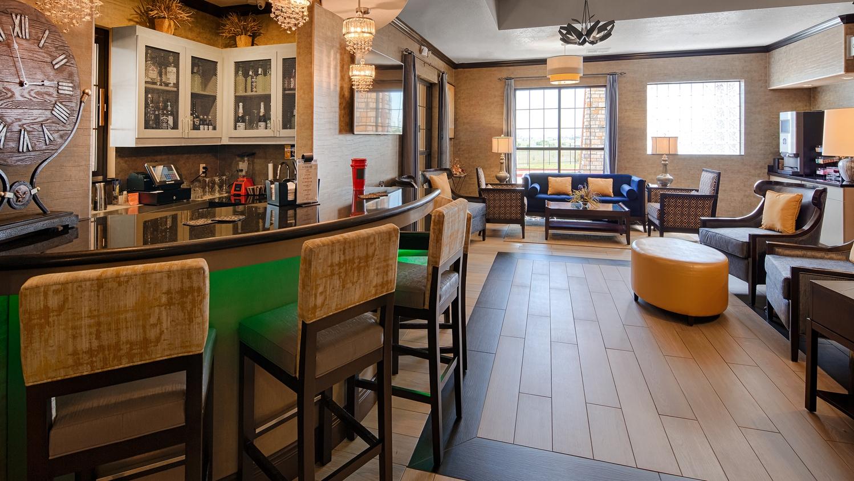 Bar - Best Western Plus Emerald Inn & Suites Garden City