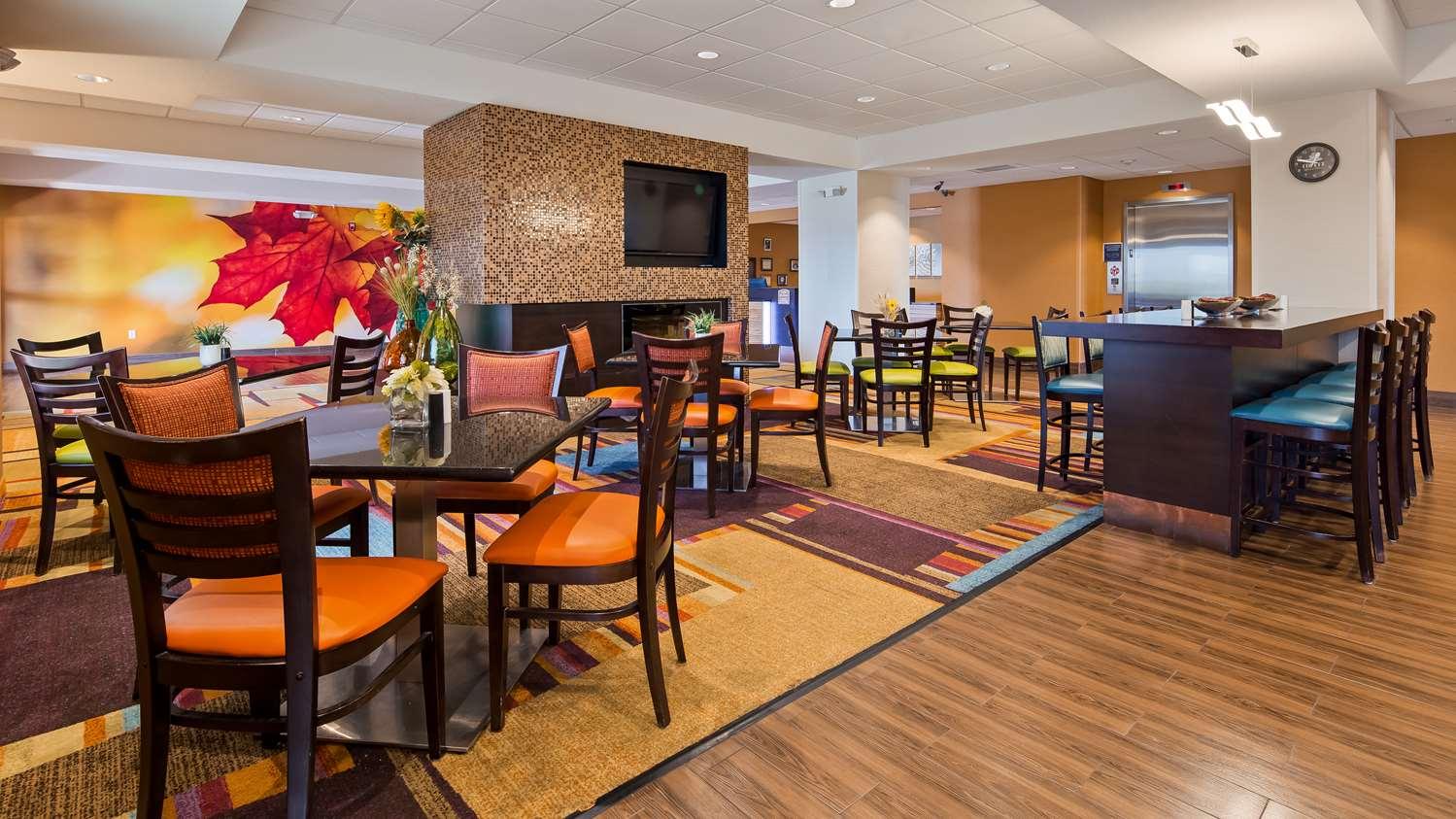 Restaurant - Best Western Plus Hiawatha Hotel