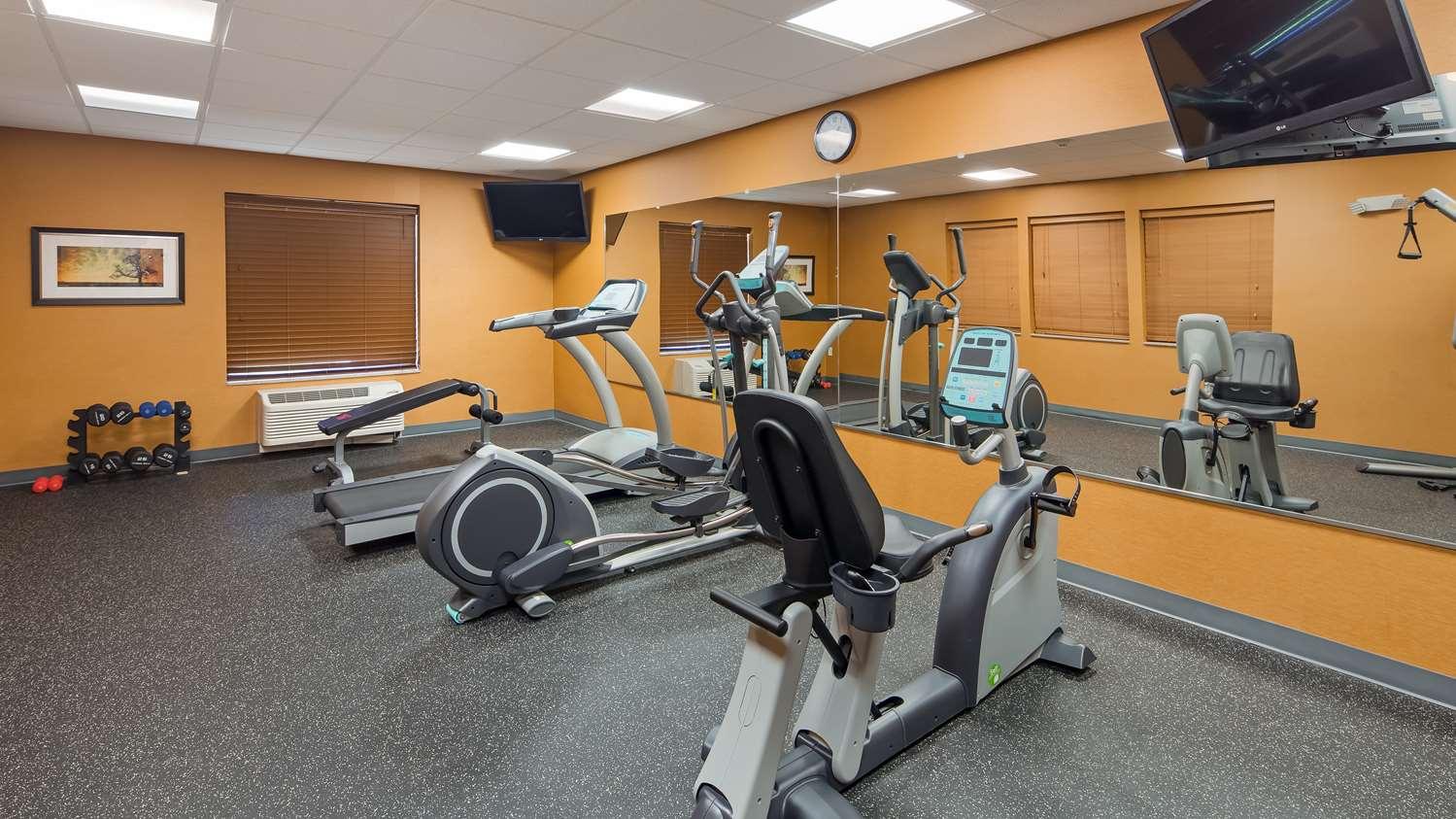 Fitness/ Exercise Room - Best Western Plus Hiawatha Hotel
