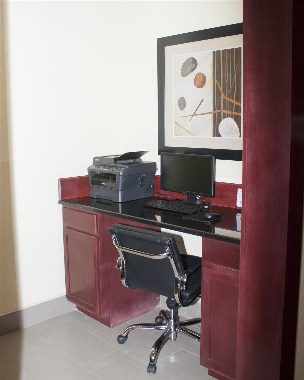 Conference Area - Best Western Plus Pratt Hotel