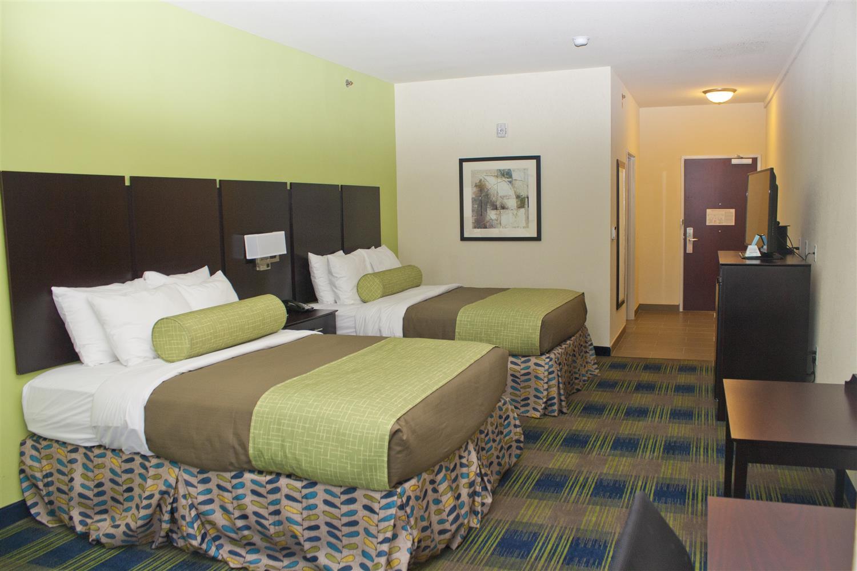 Suite - Best Western Plus Pratt Hotel