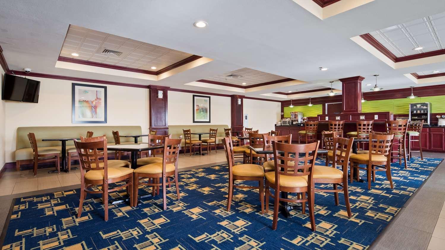 Restaurant - Best Western Plus Pratt Hotel