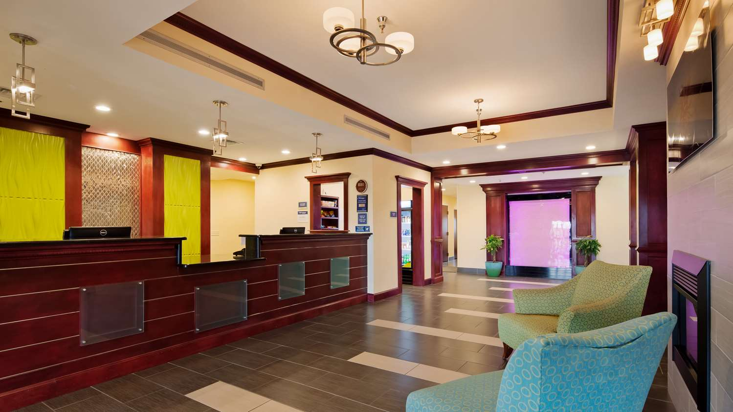 Lobby - Best Western Plus Pratt Hotel