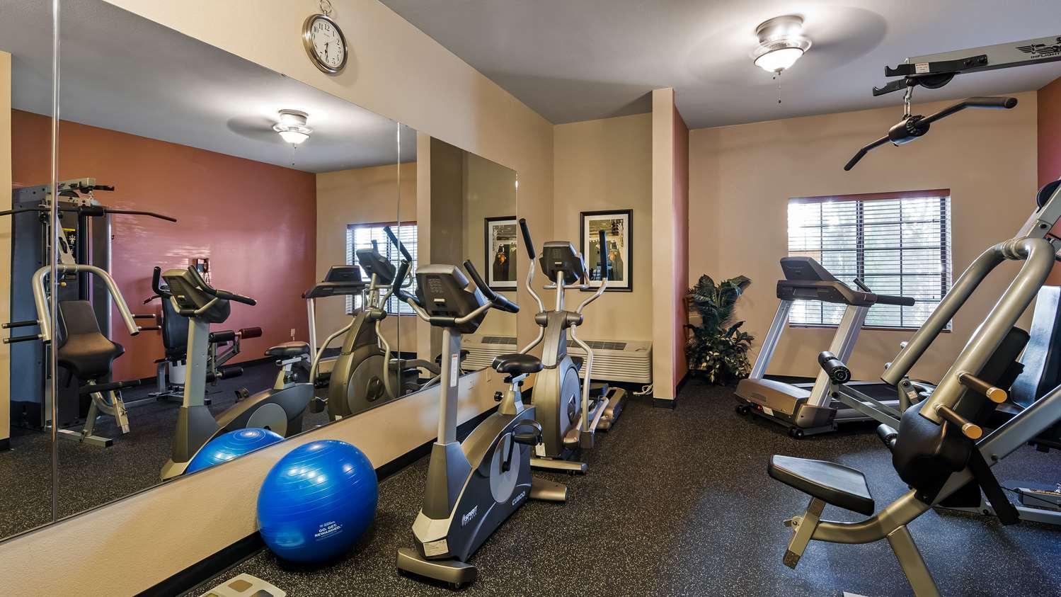 Fitness/ Exercise Room - Best Western North Edge Inn Dodge City