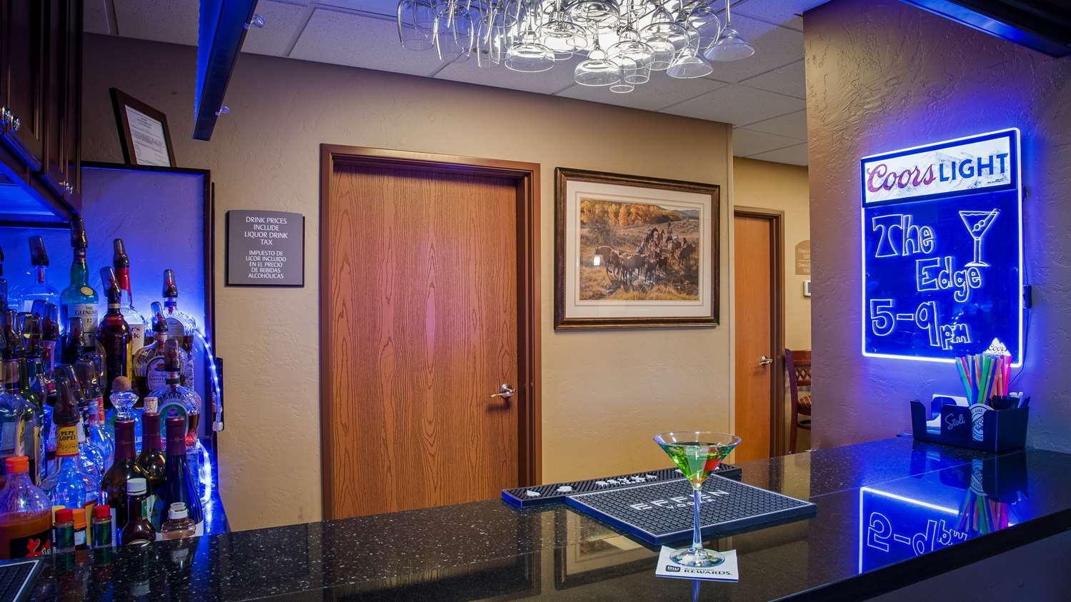 Bar - Best Western North Edge Inn Dodge City