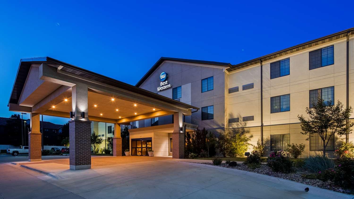 Exterior view - Best Western North Edge Inn Dodge City