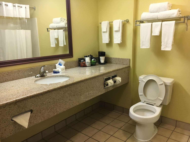 Room - Best Western Inn Lawrenceburg