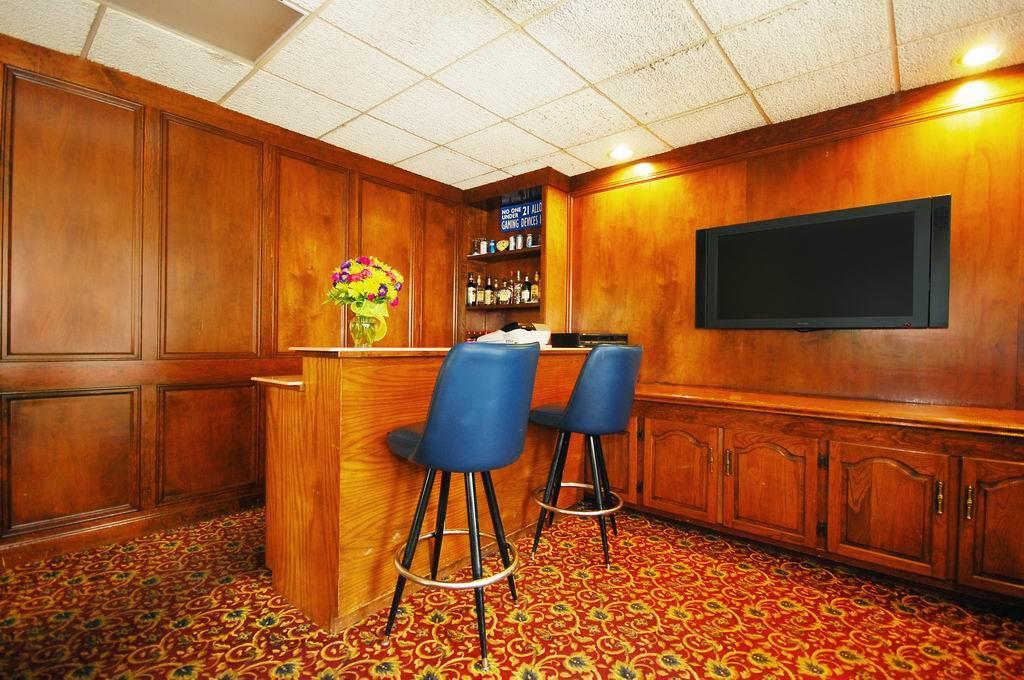 Bar - Best Western Forest Inn Franklin