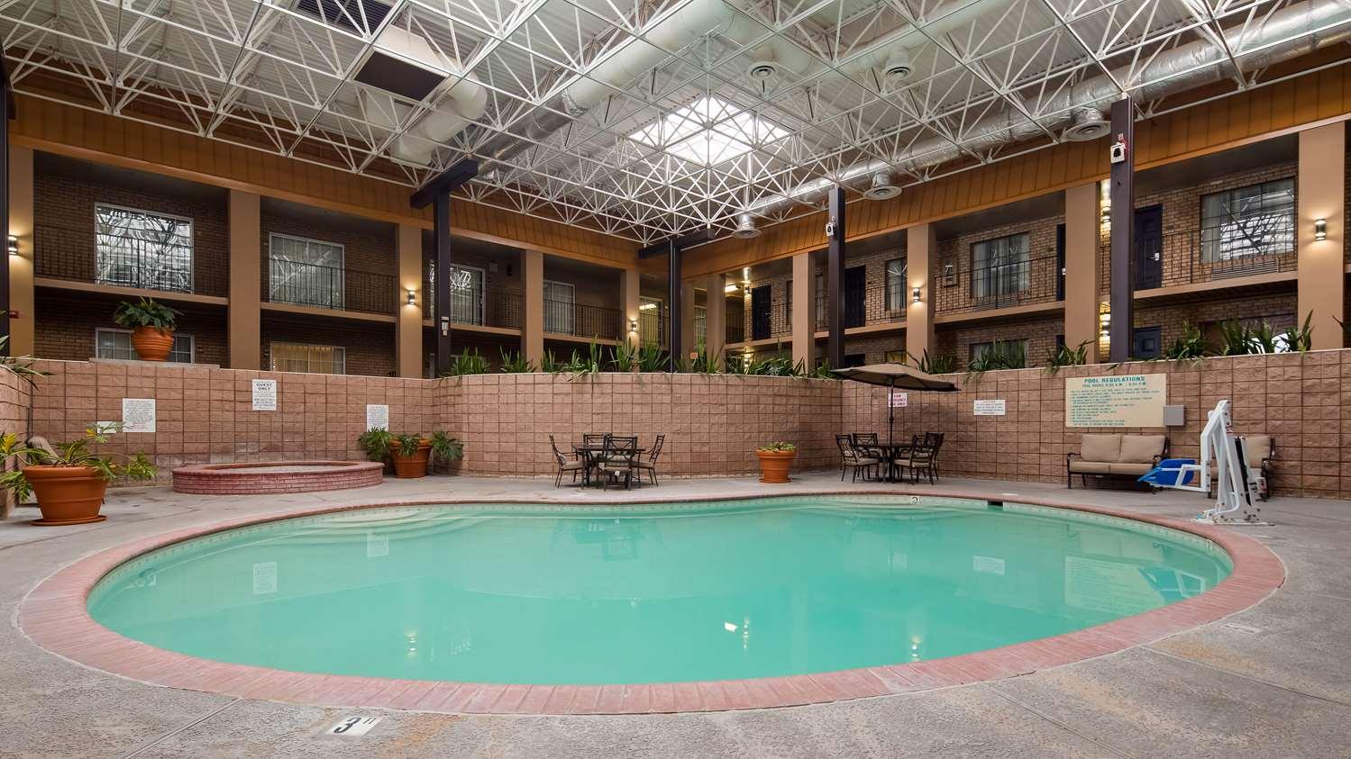 Pool - Best Western Alexandria Inn & Suites