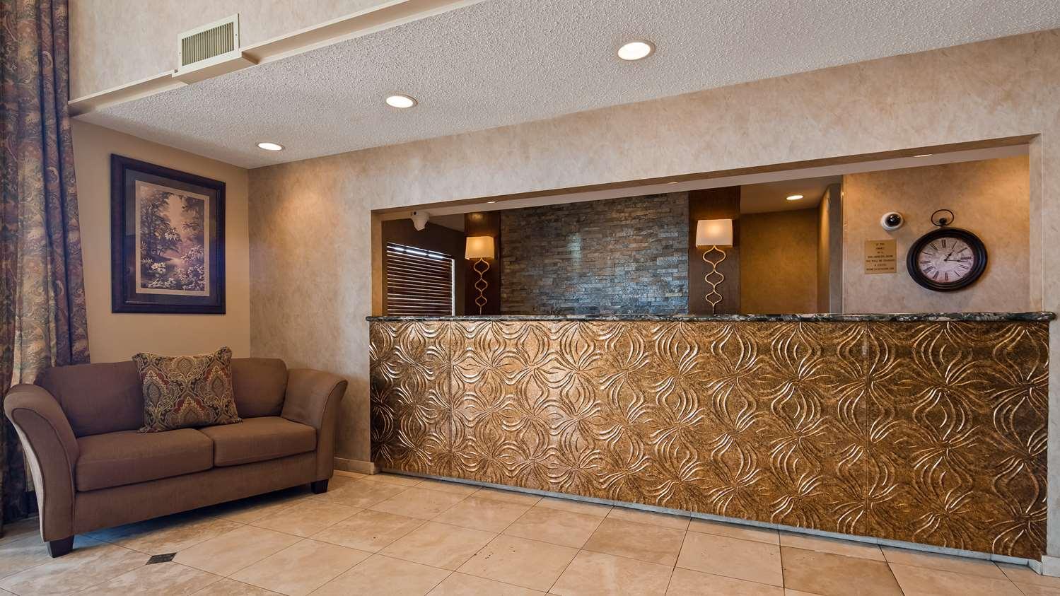 Lobby - Best Western Alexandria Inn & Suites