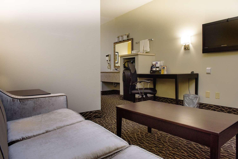 Suite - Best Western Inn West Monroe