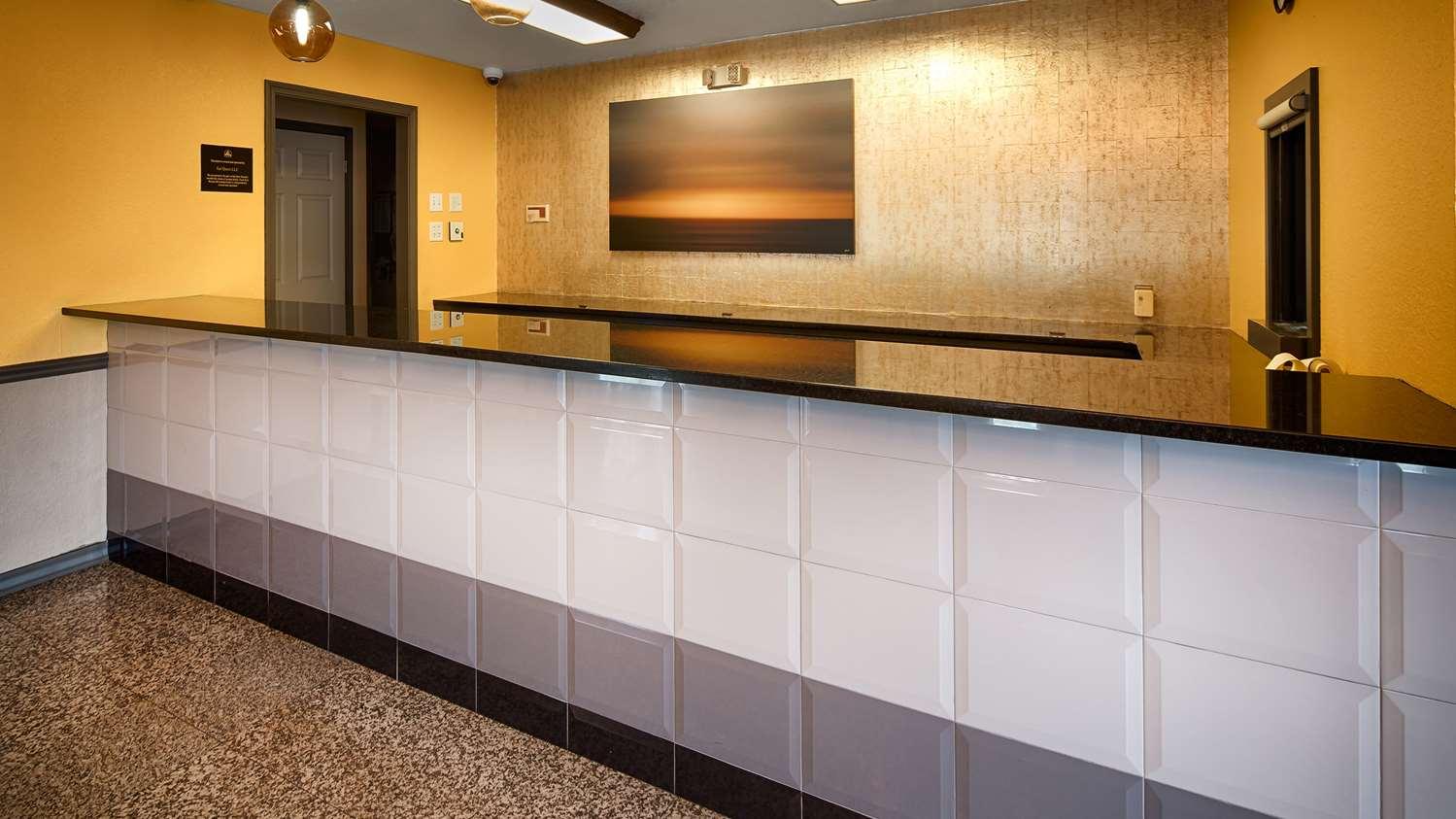 Lobby - Best Western Inn West Monroe