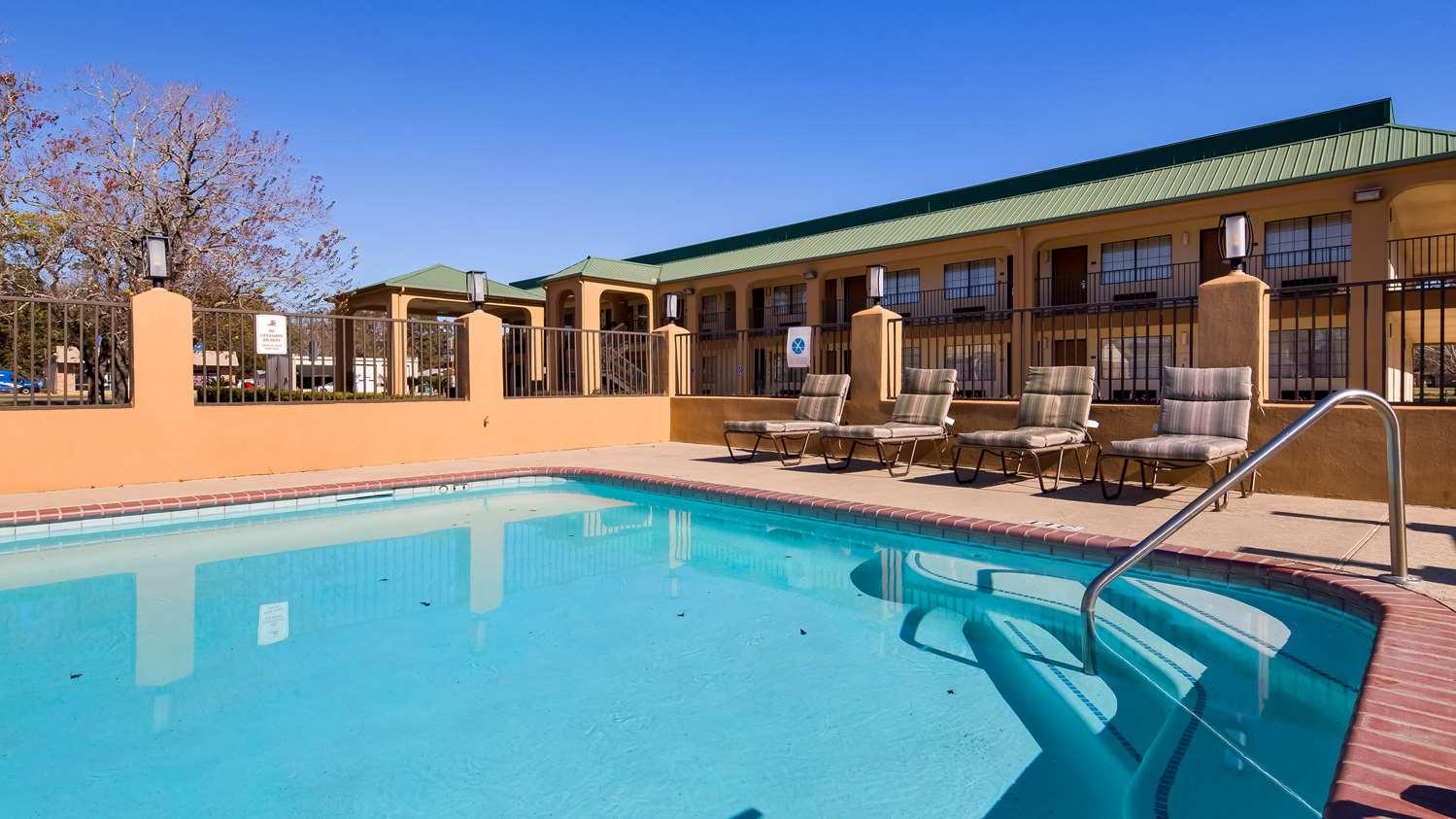 Pool - Best Western Motel Eunice