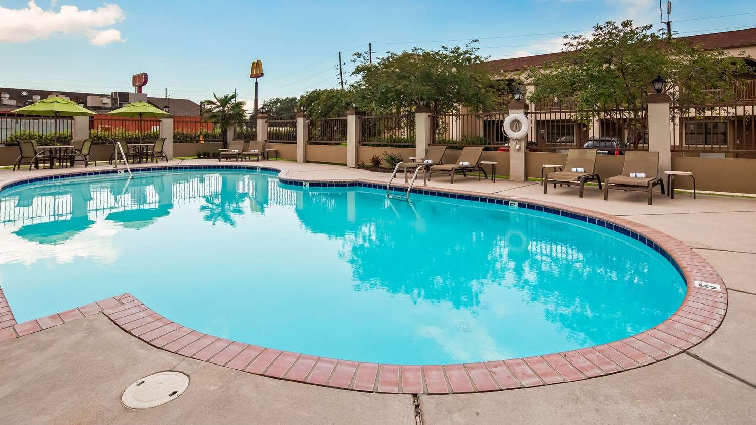 Pool - Best Western LaPlace Inn