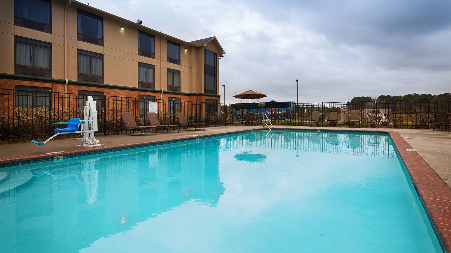 Pool Best Western Inn At Coushatta Kinder
