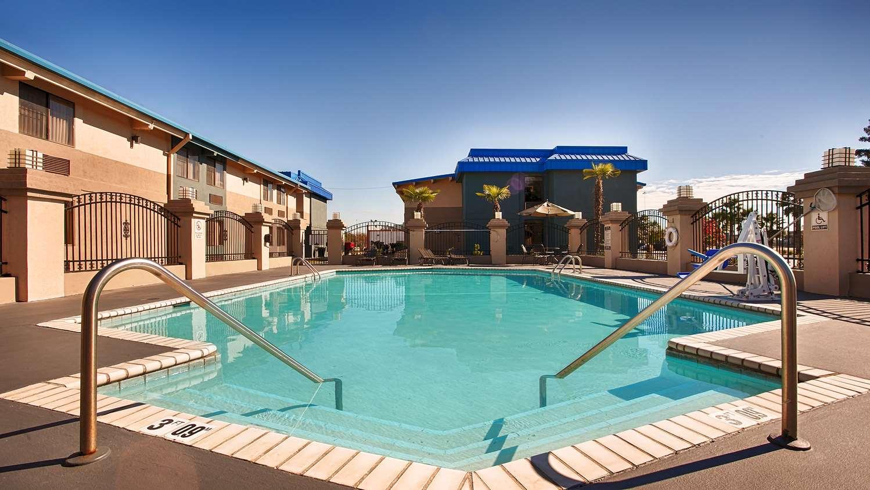 Pool - Best Western Hotel Magnolia Manor Port Allen